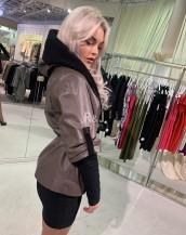 Ādas jaka ar kapuci