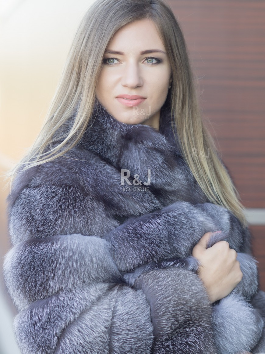 1865fba7f1 ... half-length Fox Fur Coat